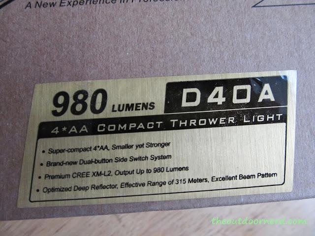 Sunwayman D40A [4xAA Flashlight] - New In Box: Closeup