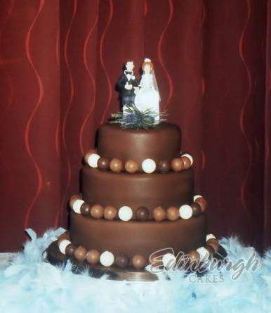 Round Chocolate Cake Decorating Ideas : 7 Round Chocolate Wedding Cakes Ideas