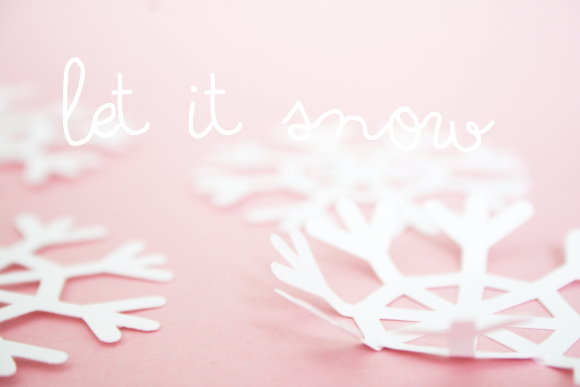 Selbstgebastelte Schneeflocken