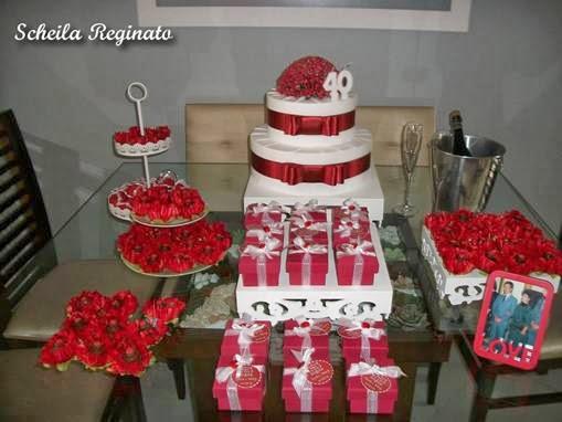 Festa de bodas de rubi esmeralda simples
