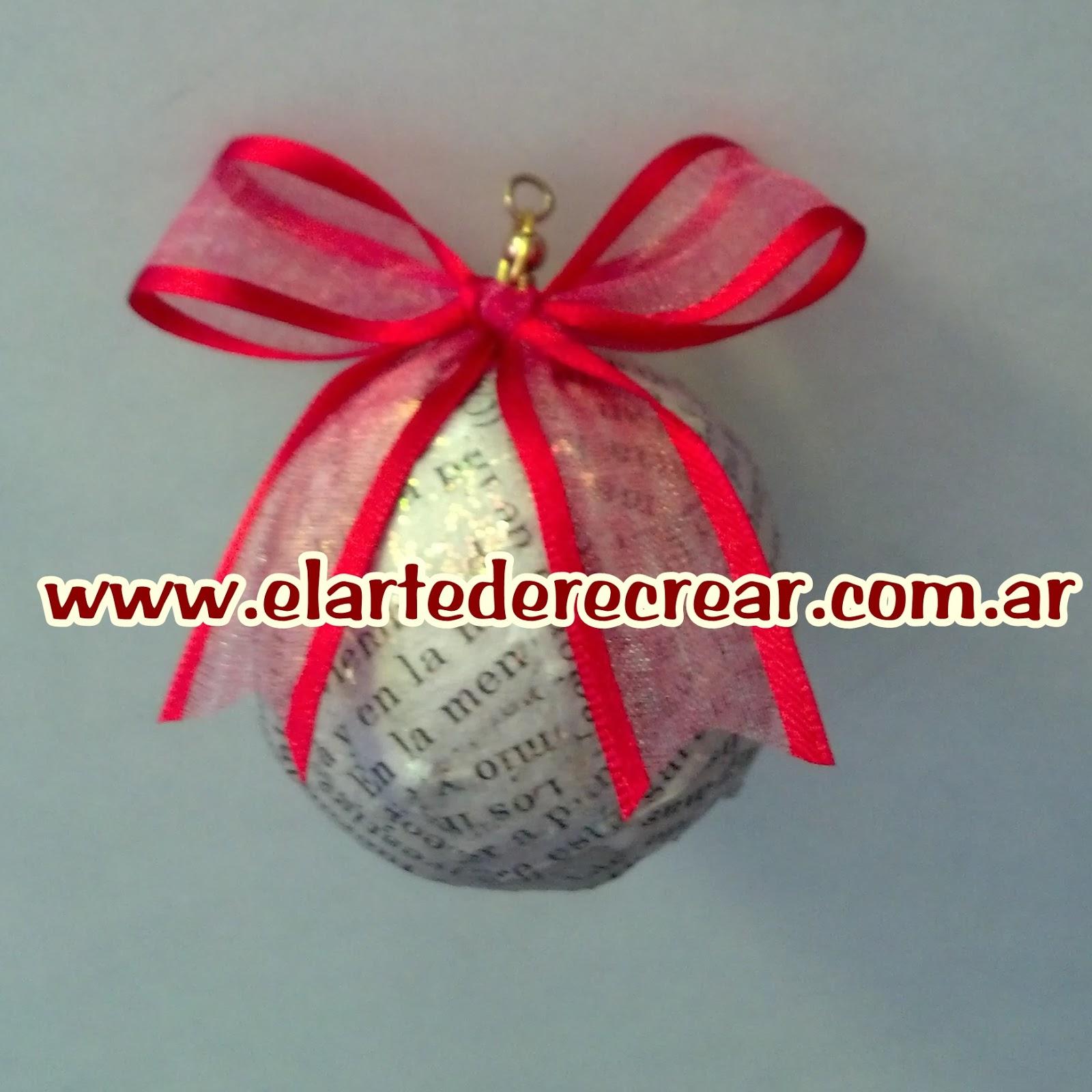 esferas de navidad con papel perid