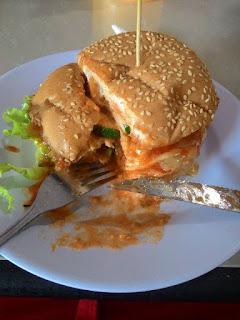 5 Alasan Mengapa Orang Indonesia Memotret Makanan Sebelum Memakannya