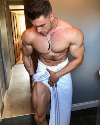 ANOTHER INSANELY HOT MUSCLE PIC
