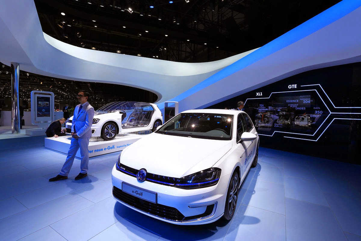 "Winterkorn said in November that he sees ""great potential"" in the new power-storage technology, which may expand an electric vehicle's driving distance between recharges to as much as 700 kilometers. That's more than three times the range of the battery-powered version of the VW Golf. (Credit: Gianluca Colla/Bloomberg) Click to Enlarge."