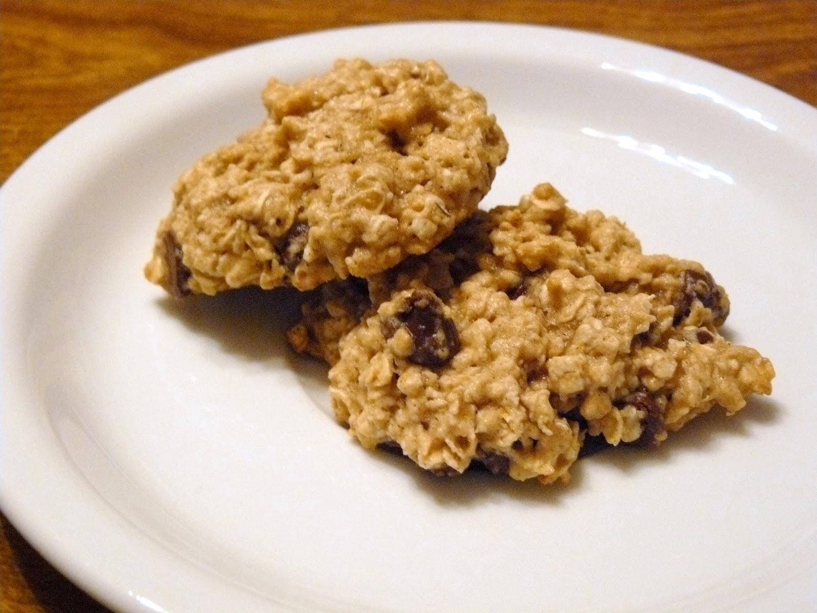 chookie chookie: healthy oatmeal chocolate chip cookies