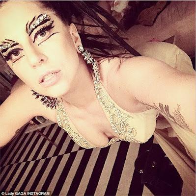 Nggak Mau Ikut-Ikutan, Lady Gaga Bikin Tren Alis Sendiri!