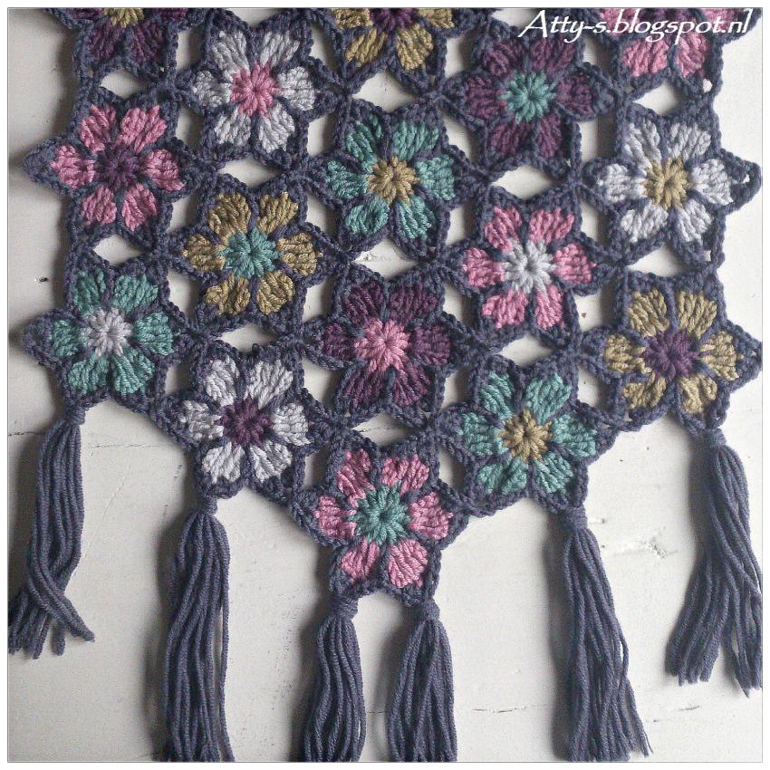 atty's: Merino Soft Flower Shawl Pattern/tutorial