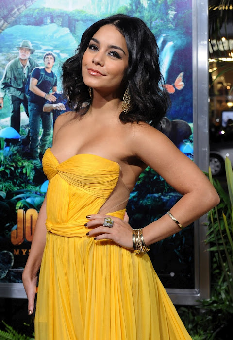 vanessa hudgens film premiere in hollywood (hq) actress pics