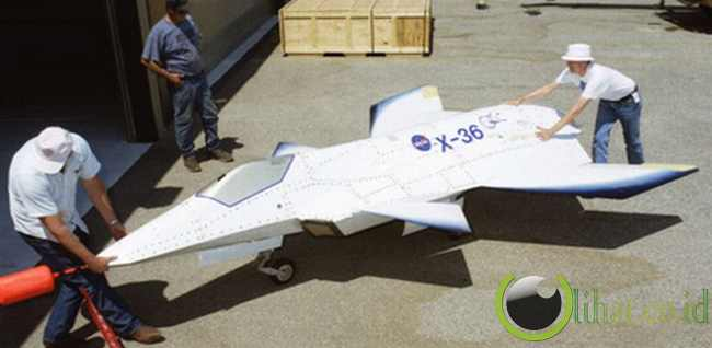 NASA Boeing X-36
