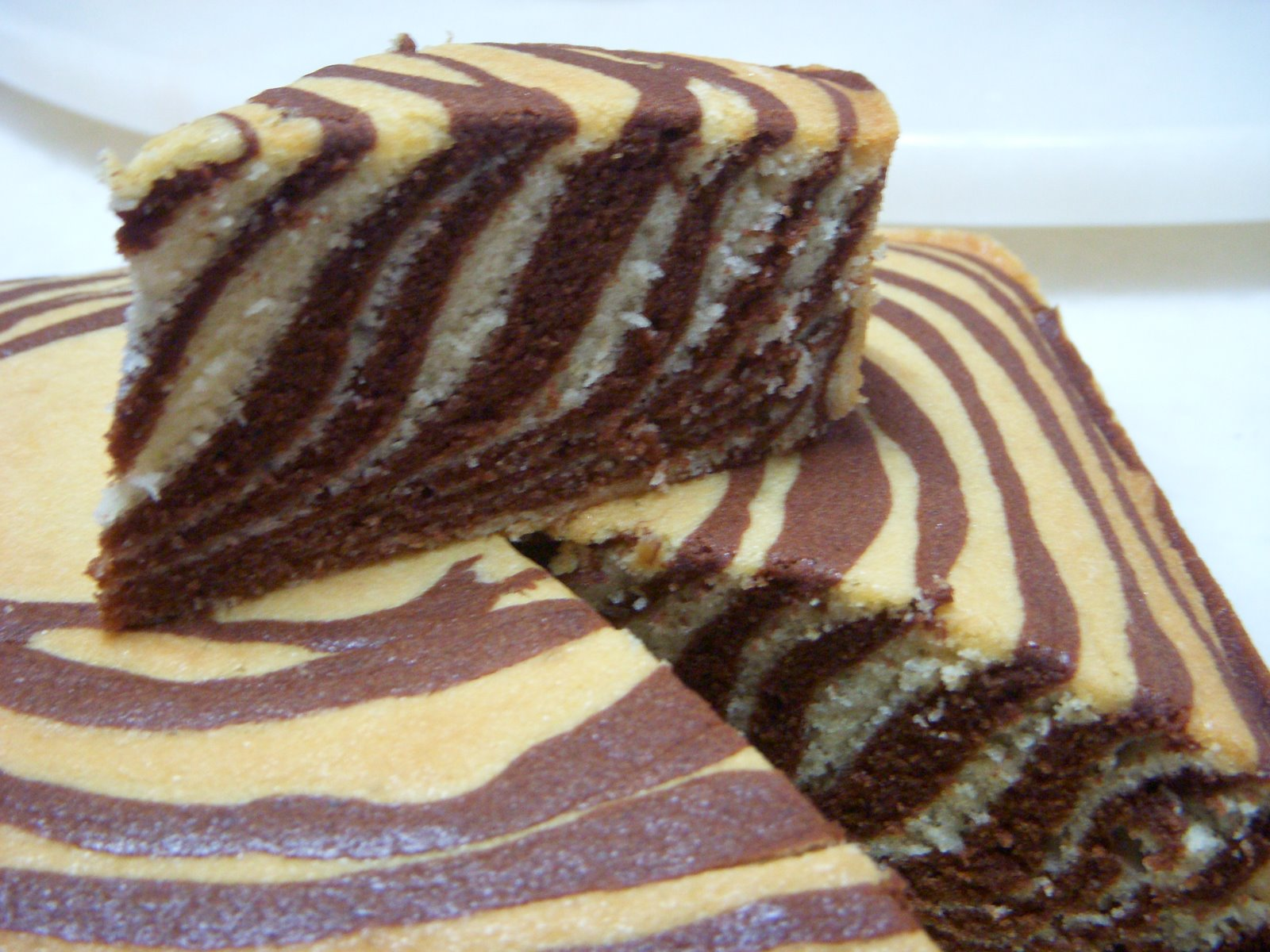 Gambar ihsan http://www.kaboodle.com/reviews/checkerboard-cake-pan