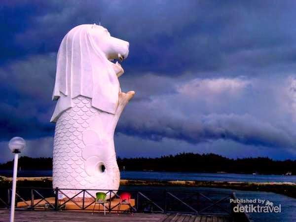 Patung Merlion Di Kota Bontang