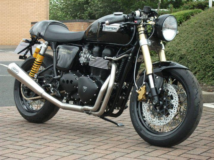 racing caf triumph thruxton 2010 caf racer by triumph birmingham. Black Bedroom Furniture Sets. Home Design Ideas