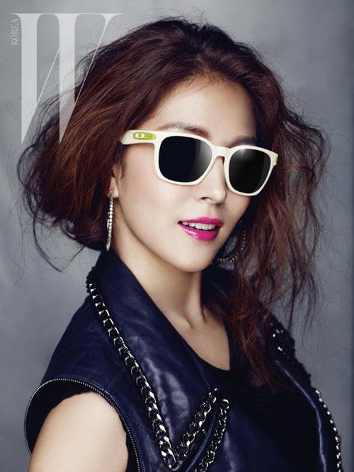 BoA W Korea Magazine 03
