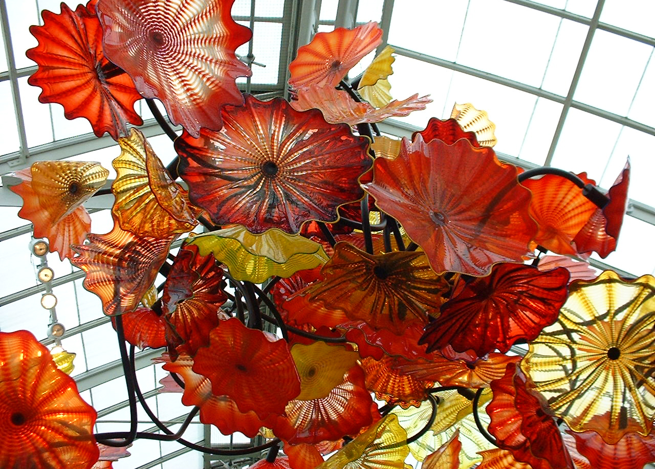 exhibition review dale chihuly the This fall, experience a stunning outdoor exhibition featuring the work of artist  dale chihuly presented for the first time in an ozark woods, it's a world of  wonder,.