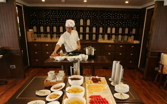 Preparing for Buffet - Au Co Cruise