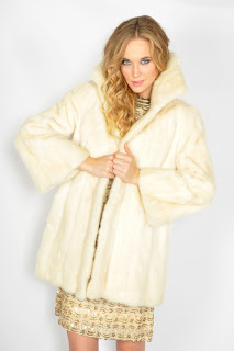 Vintage 1960's blonde mink fluffy fur coat.