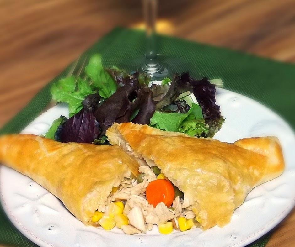 Chicken Pot Pie Turnovers #SundaySupper #comfortfood #chicken