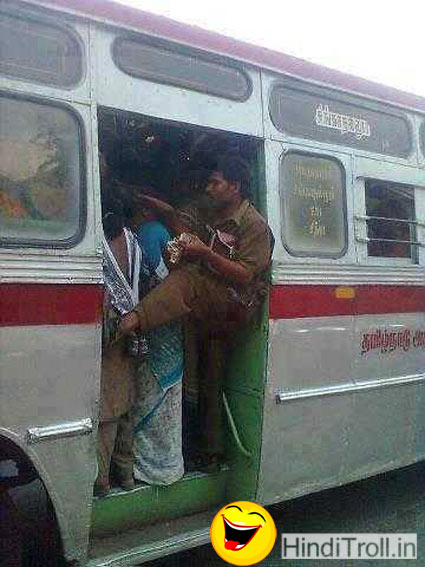 Funny Many Ladies Over Loaded In Bus Funny Desi Indian Desi Style Conductor In Bus Funny Picture