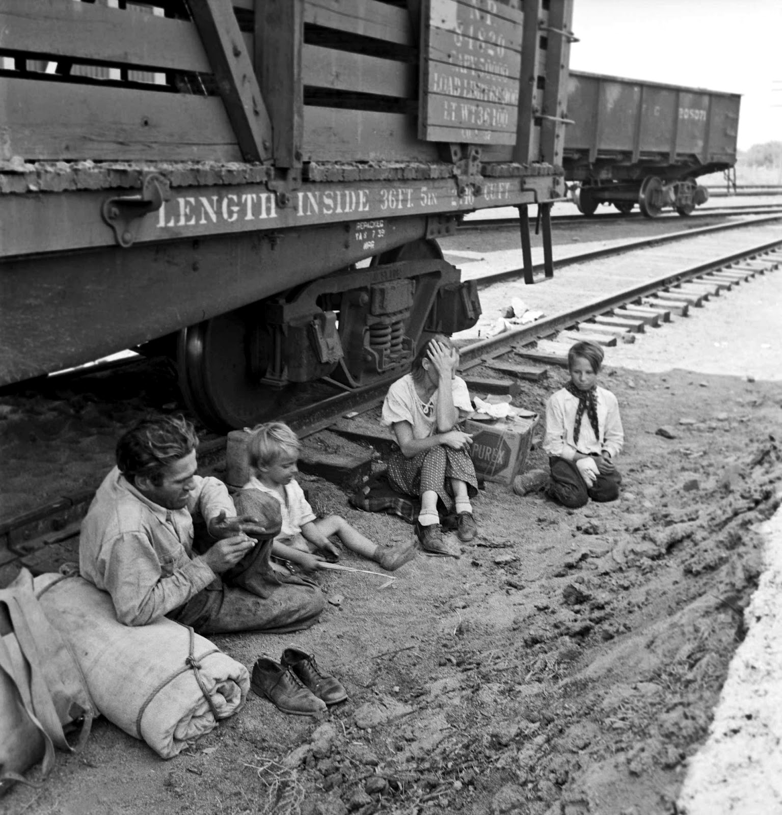 the origin history and life of hobos during the great depression The role of depression-era soup kitchens in the history of the united states of   soup kitchens still exist for homeless persons and struggling families across  america  the great depression: america 1929-1941 by robert s mcelvaine.