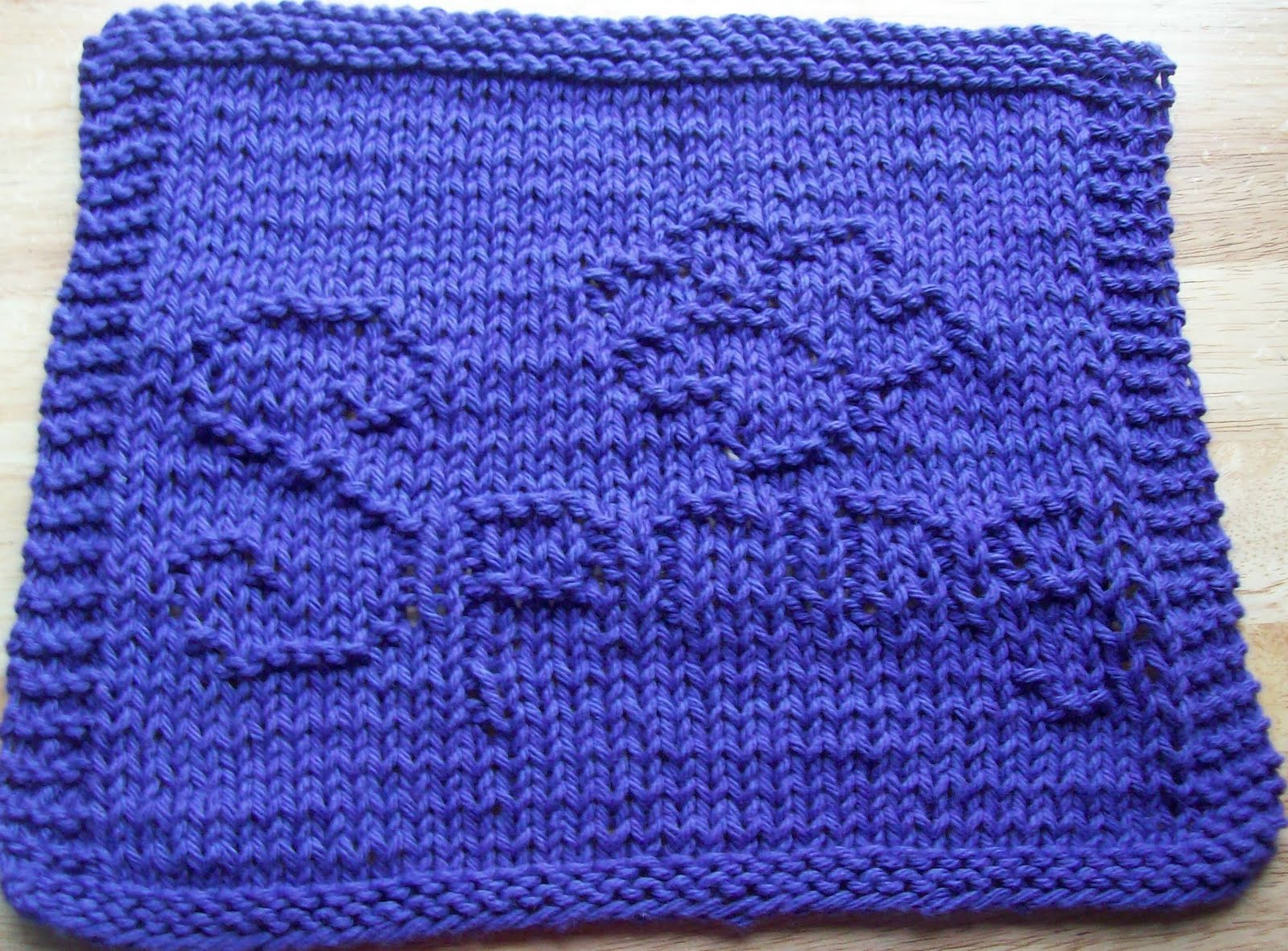 Free Knitting Pattern Butterfly Dishcloth : DigKnitty Designs: Spring With Butterfly Knit Dishcloth Pattern