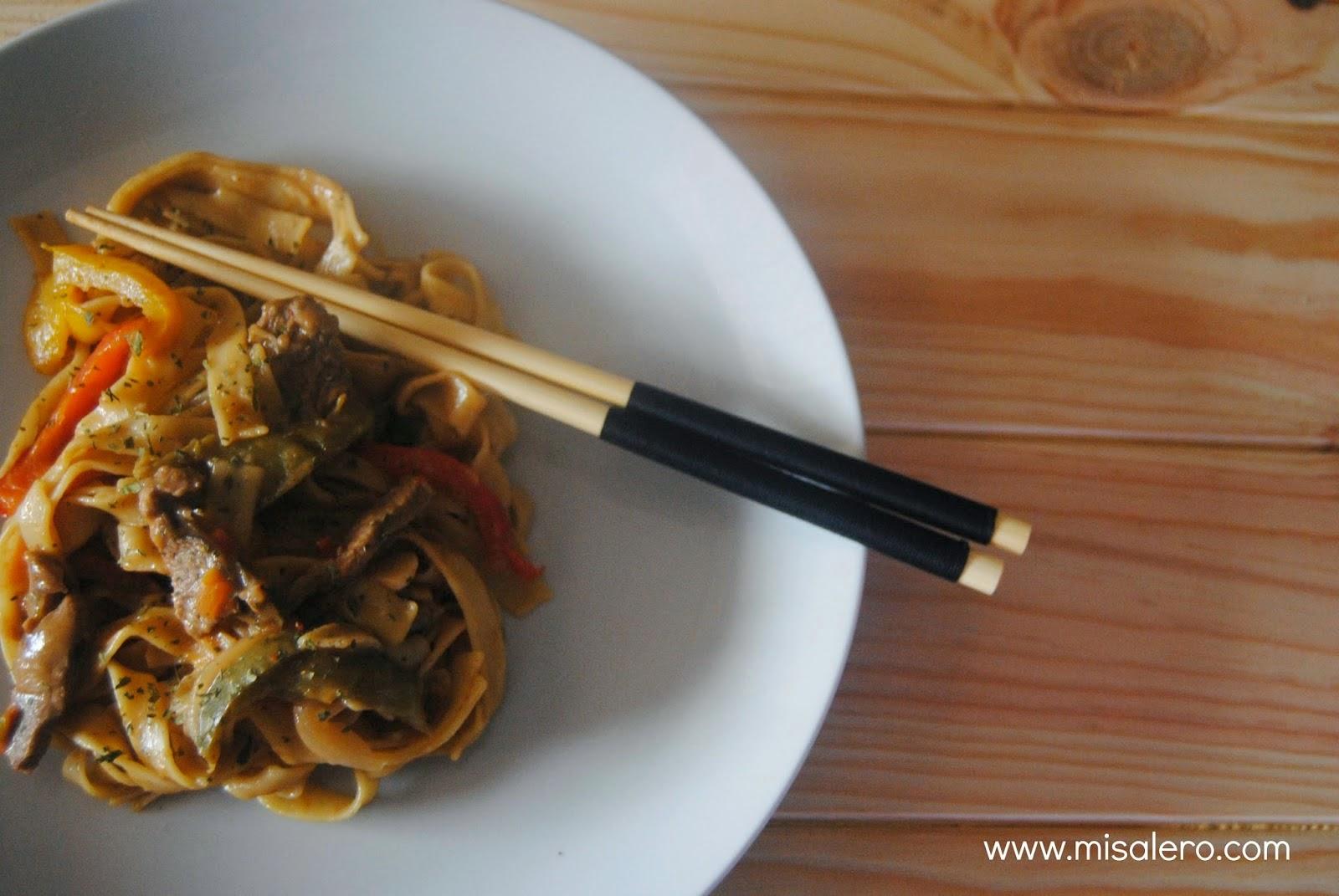 http://misalero.com/2014/07/tallarines-con-tenera-y-verduras.html
