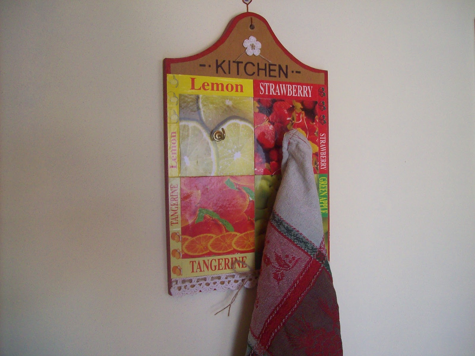 Crochet simple y delicado perchero para la cocina for Perchero para cocina