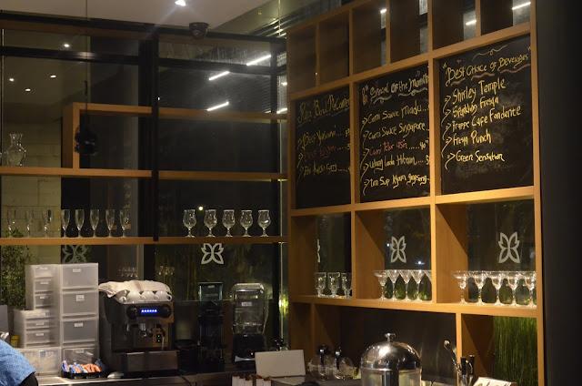 FRESQA Bistro - BATIQA Hotel Cirebon