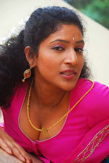 Kalla Parunthu Tamil Movie 2011  Stills 16.jpg