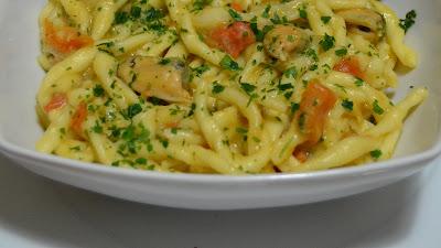 Салат с пастой, куриным филе и овощами по-итальянски - Ресторан дома