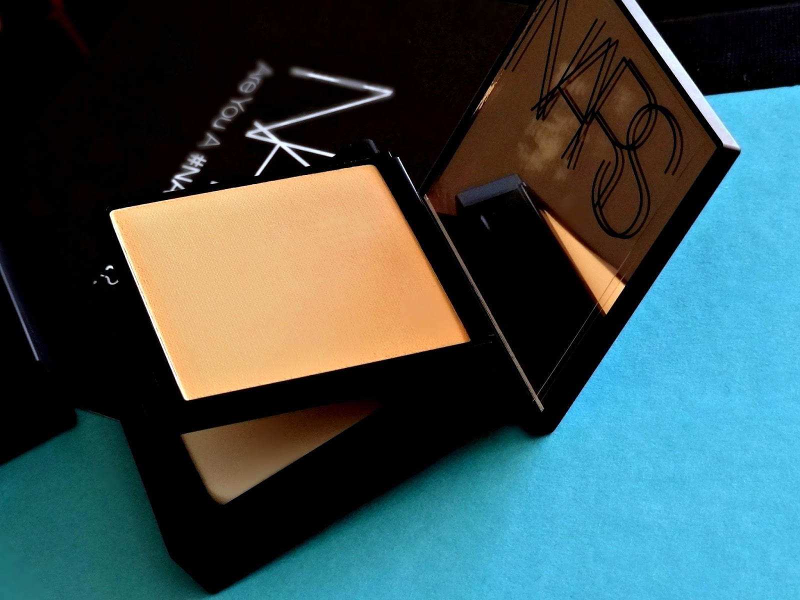 NARS All Day Luminous Powder Foundation Barcelona and Stromboli  Review, Photos & Swatches
