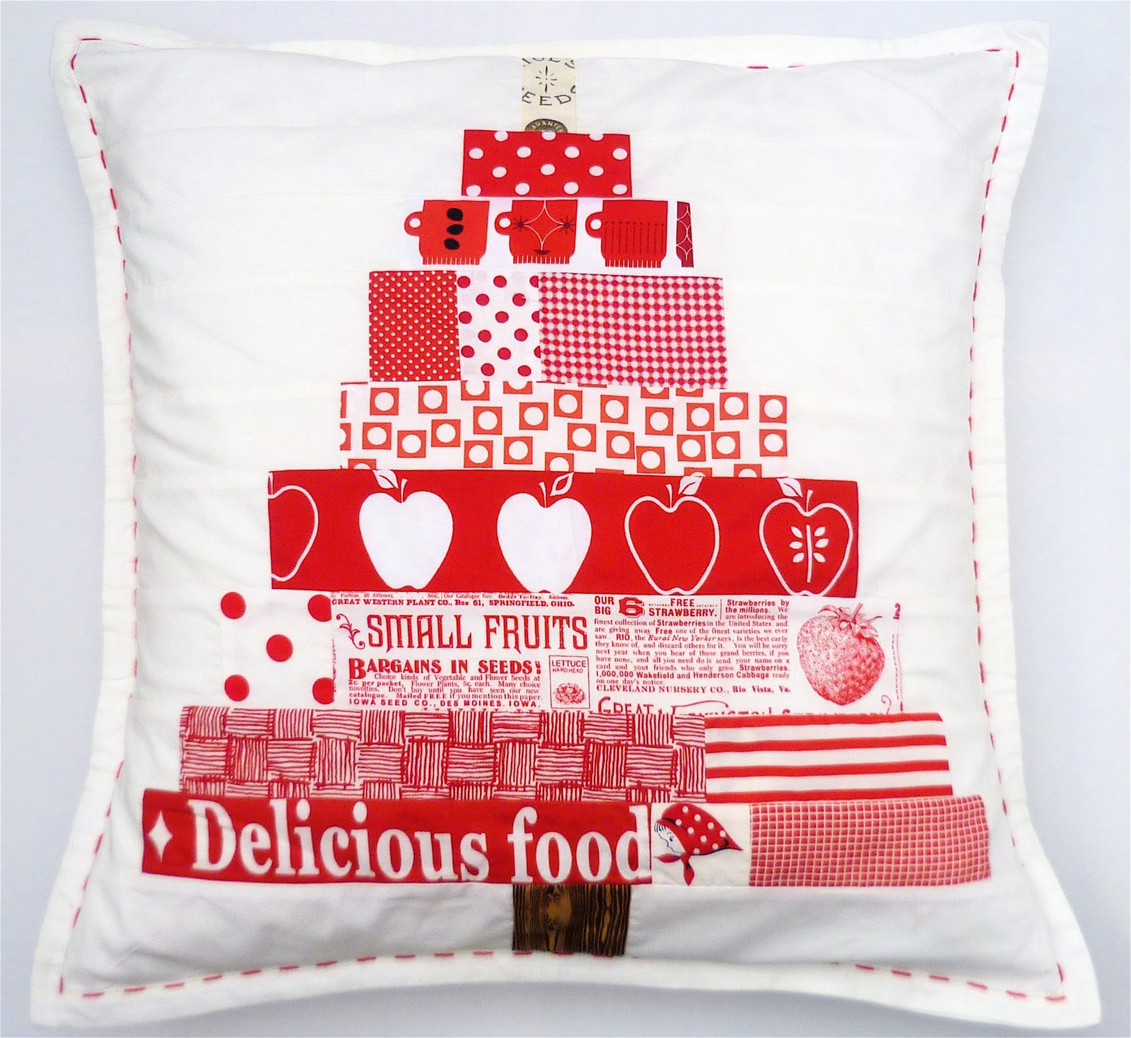 Scandinavian Christmas Pillow : verykerryberry: Scandinavian Christmas Tree- Free Pattern Download!