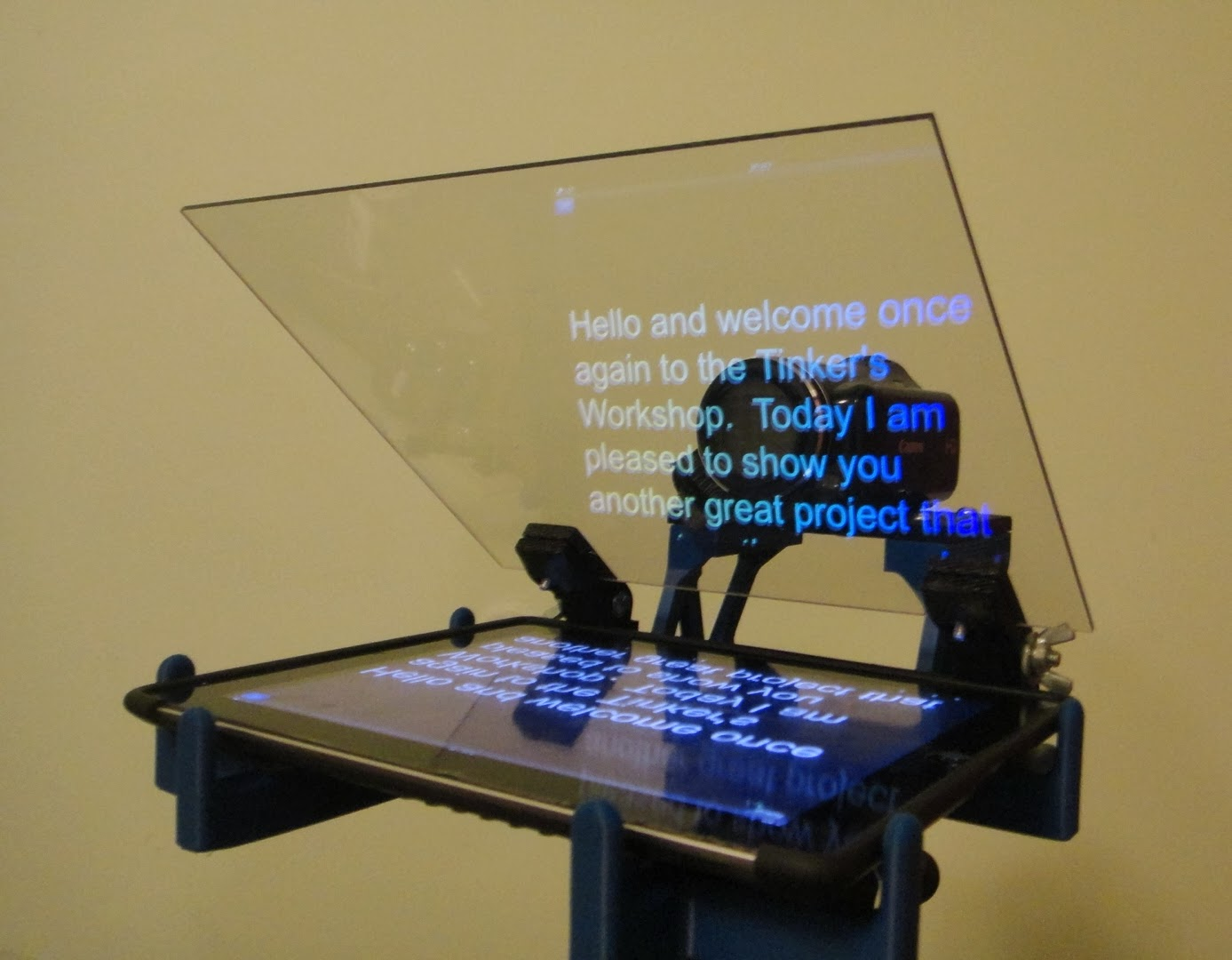 The Tinkers Workshop 3D Printed IPad Video Teleprompter