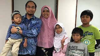 Khoirul Anwar Penemu 4G beserta keluarga
