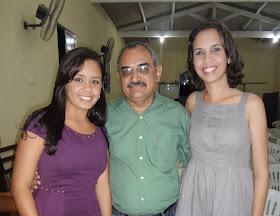 As meninas Amanda e Camila Farias. Carinho especial.