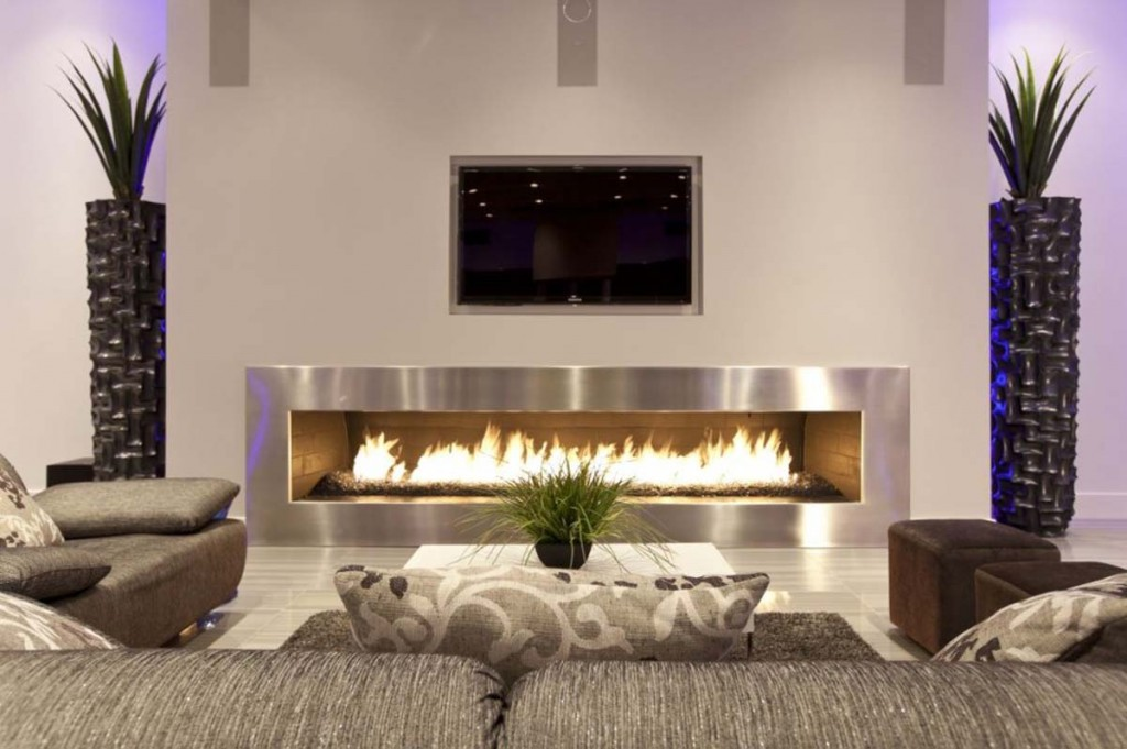 Home Interior Designs: Modern Fireplace