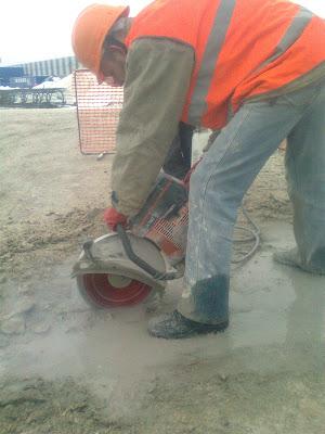 Резка бетонных плит, резка швов, штробы в бетоне