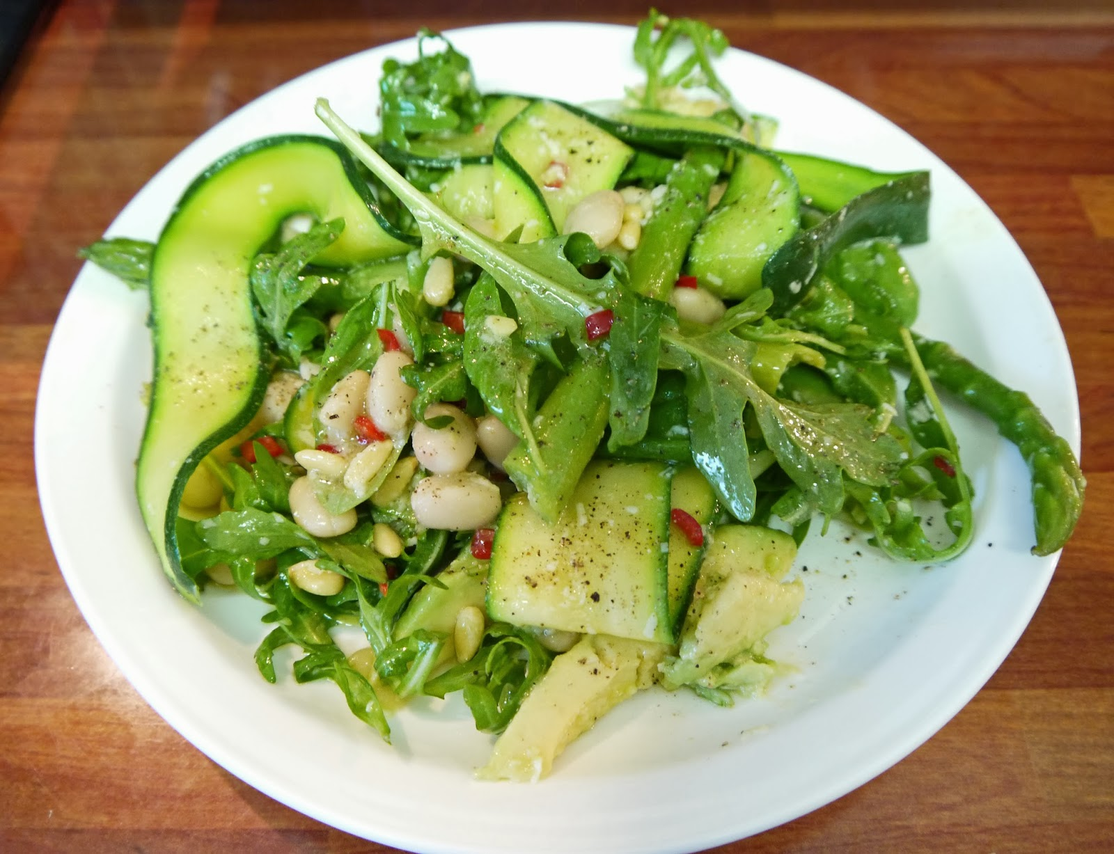 Courgette,+asparagus+and+avocado+salad+with+rocket,+July+2013+(2).JPG