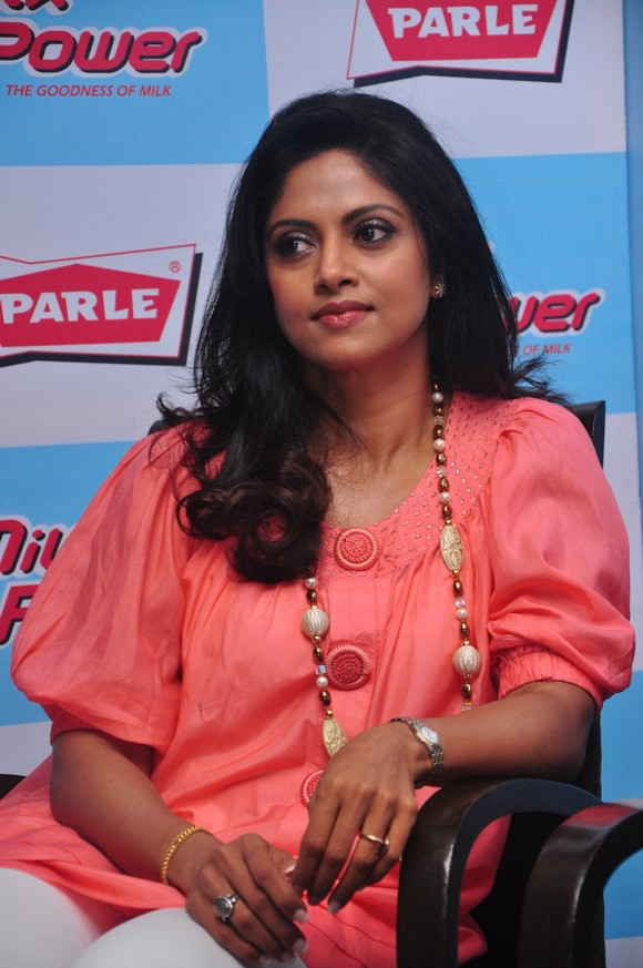 Tamil Actress Nadhiya Hot At Parle Biscuit Launch Stills One Cine