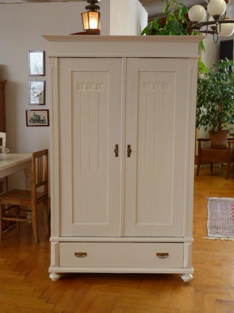 Antike Möbel Antiker Schrank In Weiß