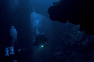 kegelapan laut