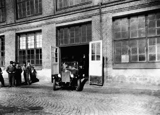 Volvo fabrica su primer vehículo