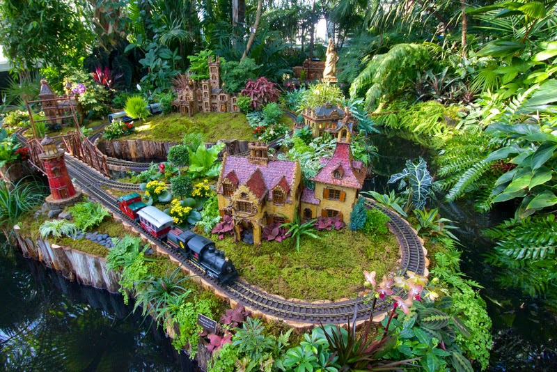 Holiday train show 2014 en el jard n bot nico de nueva york for Bodas en el jardin botanico