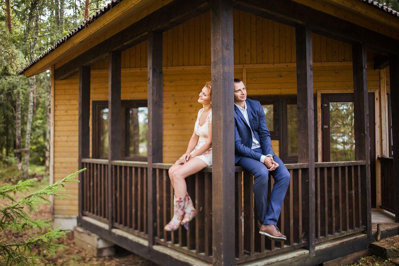 жених и невеста на природе
