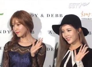 T-ara Hyomin dan Qri di SS 2013 Seoul Fashion Week