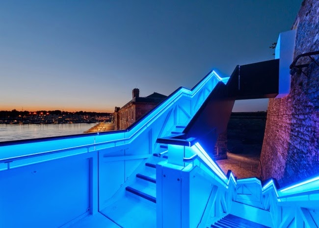Modern Staircase Lighting Blue LED Color Fitting With The View