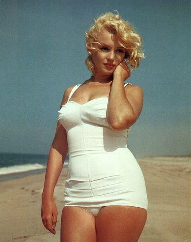 How Retrocom 1950s Vintage Swimsuits