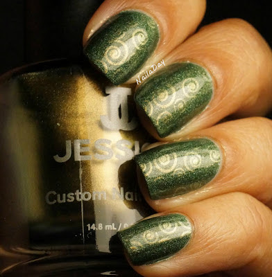 NailaDay: A England Dragon with Jessica Iridescent Eye stamping