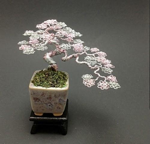 05-Ken-To-aka-KenToArt-Miniature-Wire-Bonsai-Tree-Sculptures-www-designstack-co