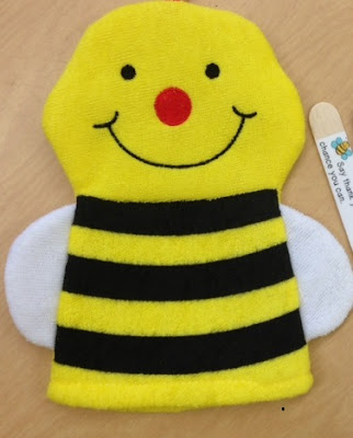 Adorable little bee puppet it s really a bathmitt for Bee finger puppet template