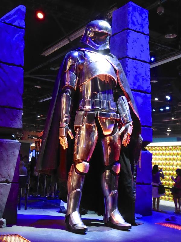 Star Wars Force Awakens Captain Phasma chrome armour